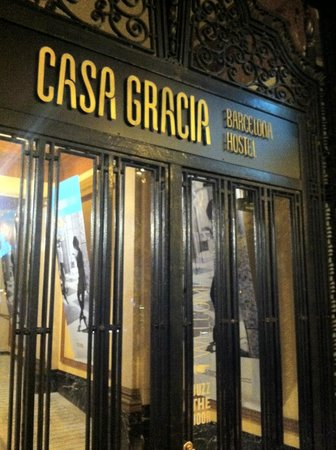 Casa Gracia Barcelona Hostel: Entrance