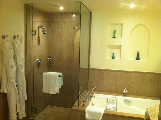 Four Seasons Resort Sharm El Sheikh: Bathroom.