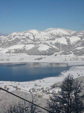 Bagnoli Irpino, Italia: Il lago d'inverno