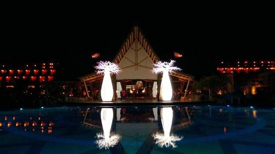 Lopesan Baobab Resort: Amazing lights at night