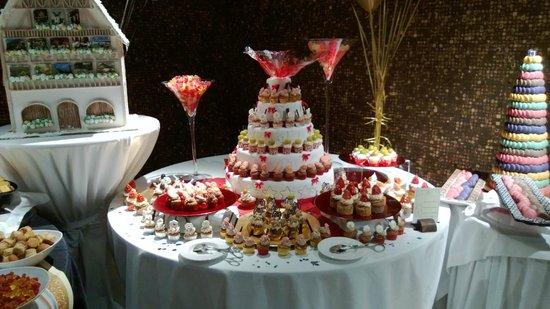 Lopesan Baobab Resort: Amazing desserts on New Year's Eve