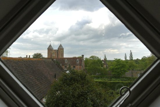 Sissinghurst Castle Farmhouse: view of the castle from the room