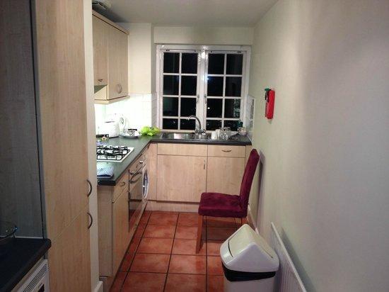 Citadines St Mark's-Islington London: Kitchen