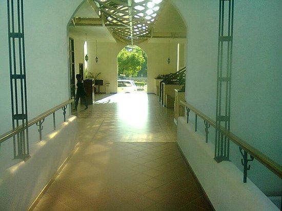 Hotel Slipway: The walkway
