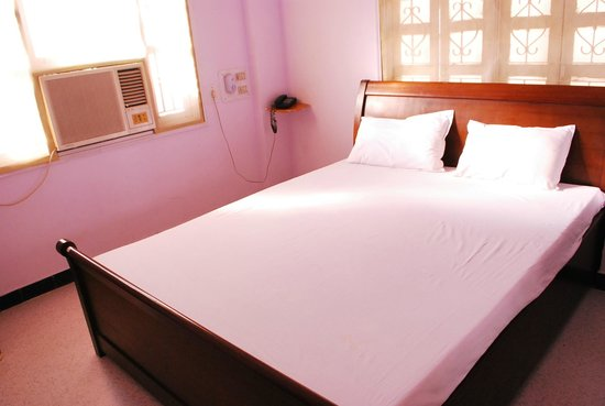 Gangaram Hotel and Guest House: single/double room