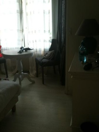 Equinoxe Hotel: petit coin salon