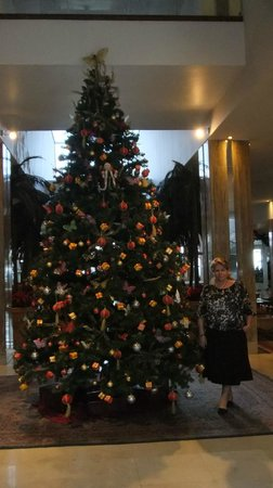 Reina Isabel Hotel: Entrada al hotel