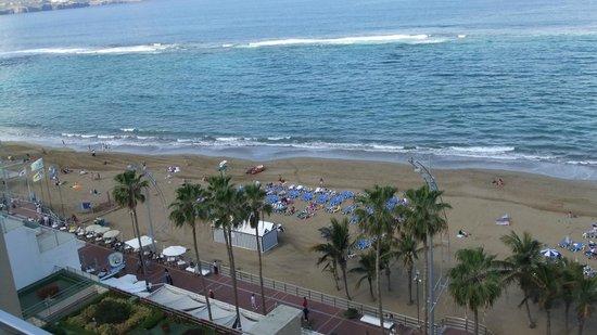Reina Isabel Hotel: Vistas desde la piscina