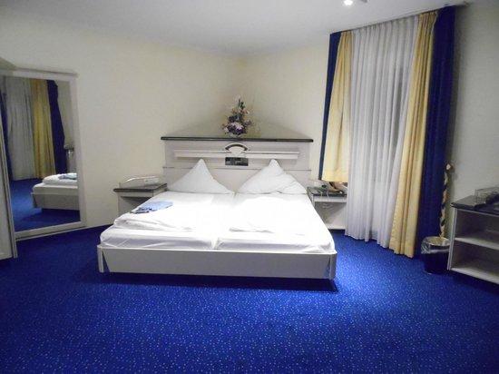 Angolo Del Letto : Angolo del letto bild von hotel am schloßpark ismaning tripadvisor