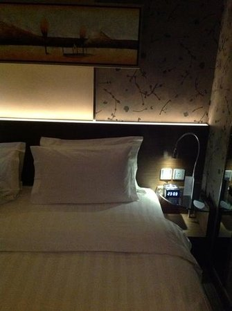 Rosedale Hotel Kowloon: double bed