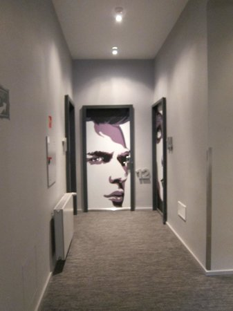 Casati Budapest Hotel: Weird faces on the doors
