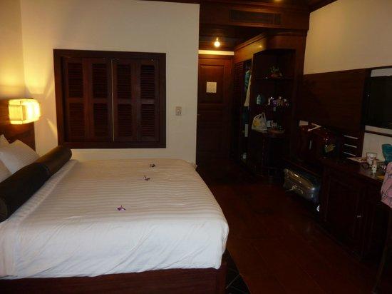 Borei Angkor Resort & Spa: a room