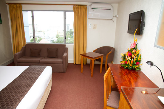 Tanoa Plaza Suva: Superior Room