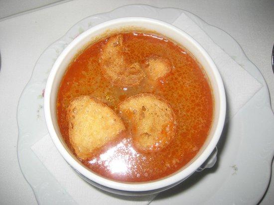 Els Pescadors: Fish soup w/ garlic croutons