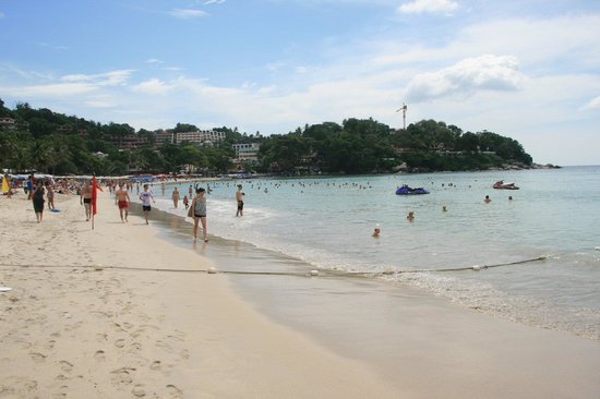 Kata Palm Resort & Spa: Kata Beach