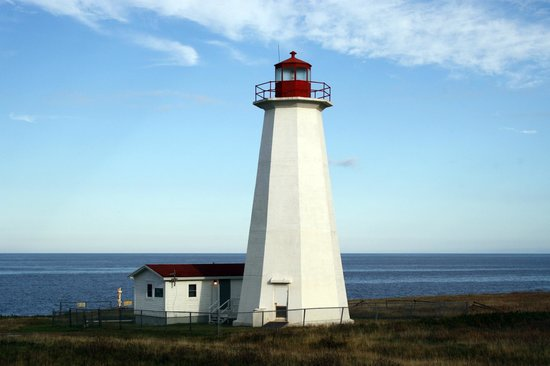 Cape Anguille Lighthouse Inn: Leuchtturm mit Wohngebäude