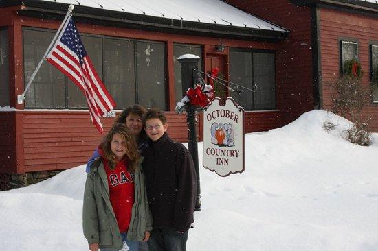 October Country Inn: Front of the Inn