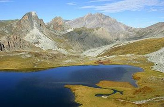 Camping Rioclar : High altitude lake