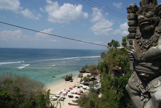 Padang Padang Beach: Was even zoeken, maar... Wow, dit was echt een van de mooiste stranden die ik heb gezien op Bali