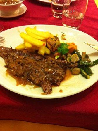 Le Lion d'Argent: onglet sauce échalote avec frites et légumes
