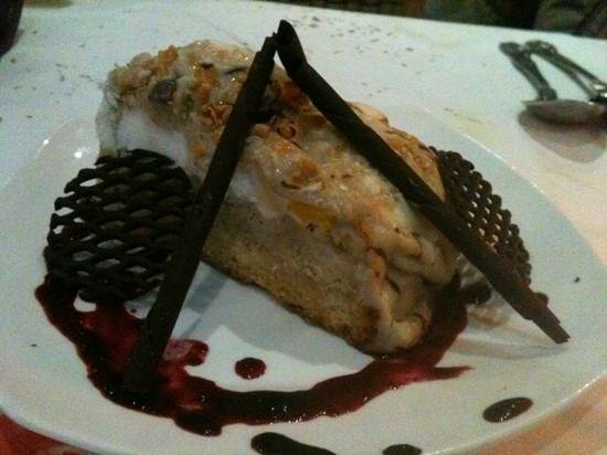 Pipasha Restaurant: tasty dessert - if you have room!