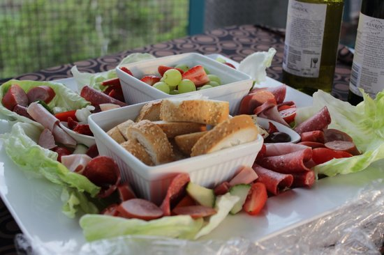 Pudakul Aboriginal Cultural Tours: Beautifully presented nibbles!