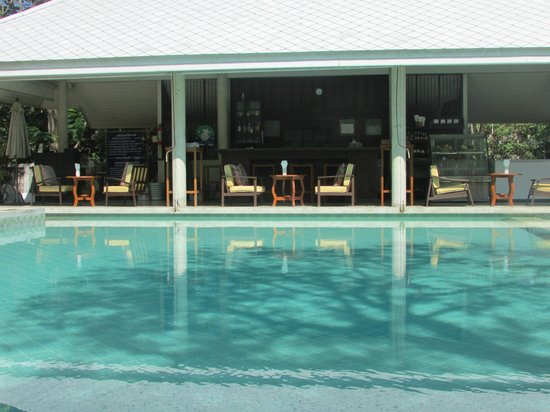 Baan Bayan: View of the pool and pool bar