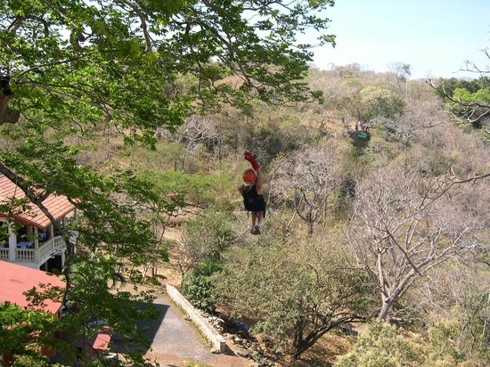 Four Seasons Resort Costa Rica at Peninsula Papagayo: Zip Lining