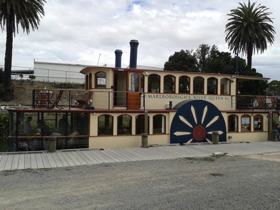Marlborough's River Queen: Lazy Lunchtime Cruise