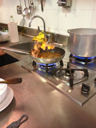 In Tavola: cooking with fire