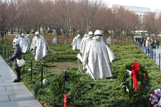 Korean War Veterans Memorial : Esculturas de Soldados en el memorial