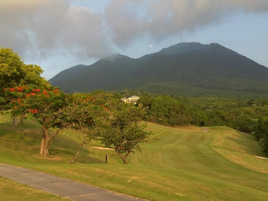 Four Seasons Golf Course: Looking back at the fairway of the ninth hole