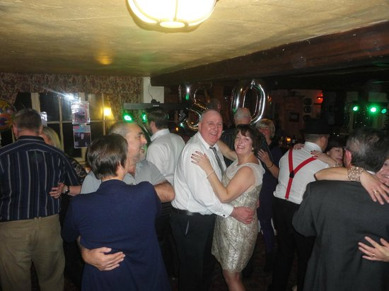 The White Horse at Ampfield: Great party atmosphere
