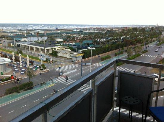 Hotel Touring Image
