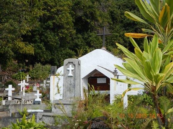 The Painted Church: graveyard
