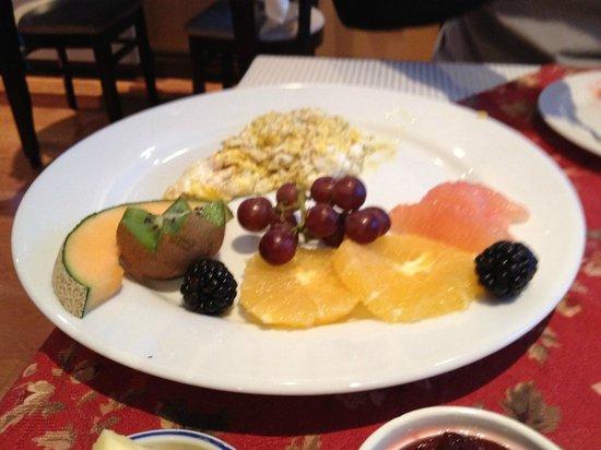 Au Petit Marigot: Café da Manhã
