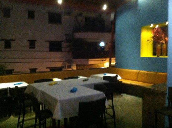 Nu Global Tapas Bar: Beautiful, open, spacious, relaxing--