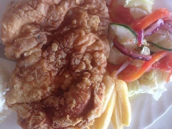 Picnic Center Restauarant: delicious fried chicken!