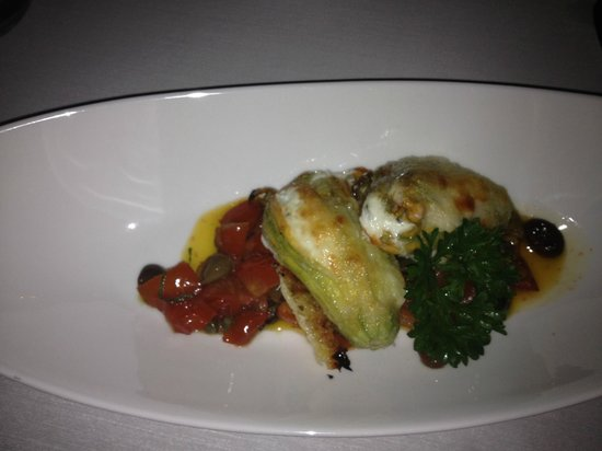 Terme Manzi Hotel & Spa: Fried zucchini blossoms at Gli Ulivi