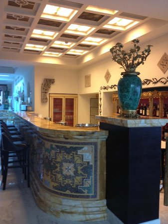 Terme Manzi Hotel & Spa: One of the hotel bars