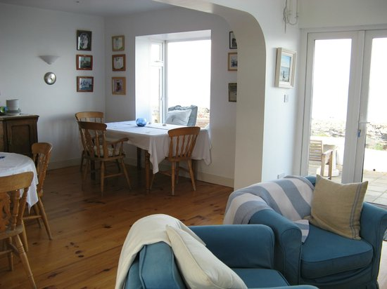 The White Cottages: Breakfast room