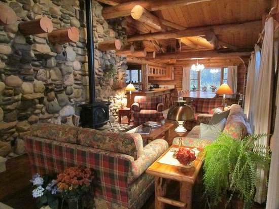 Wildflower Lodge at Jackson Hole: The common room