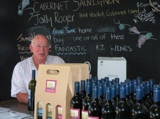 Roger's Deli: Cellar door tasting available