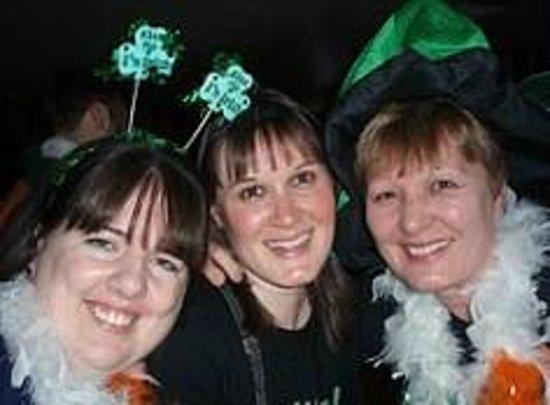Blarney Rock Pub : good times in the blarney rock nyc
