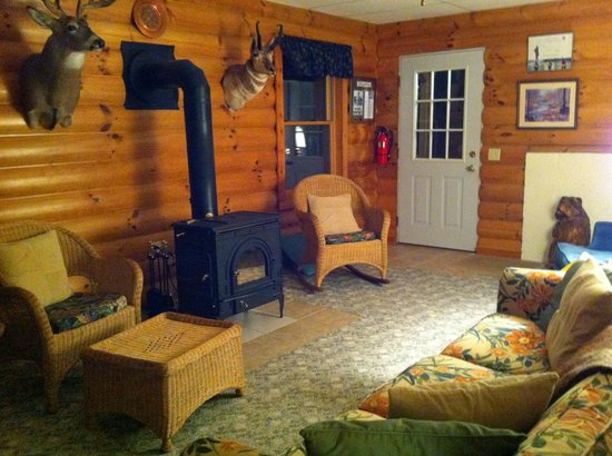 Jacquish Hollow Angler & Anglers' Inn: Part of the shared suite.