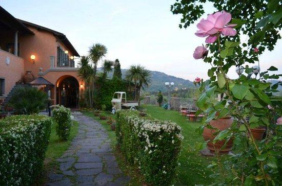 giardino picture of borgo a buggiano buggiano tripadvisor. Black Bedroom Furniture Sets. Home Design Ideas