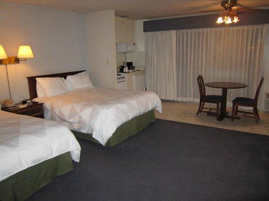 Coral Reef Inn & Suites: BONITA HABITACION