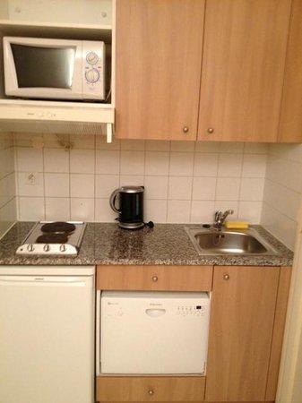 Citadines Didot Montparnasse: La kitchenette