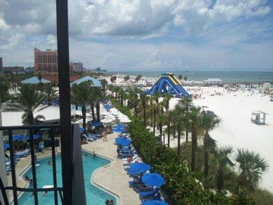 tiki bar area picture of hilton clearwater beach resort. Black Bedroom Furniture Sets. Home Design Ideas