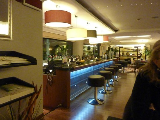Courtyard by Marriott Rome Central Park: The Bar